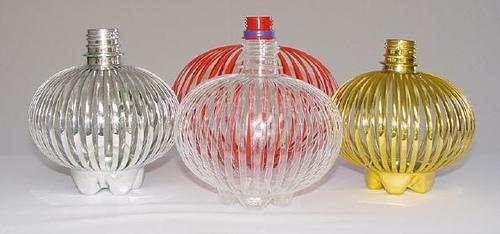 Фонарики из бутылок пластиковых своими руками 11